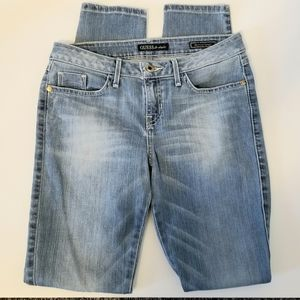 GUESS BRITTNEY SKINNY LIGHT WASH JEANS 28